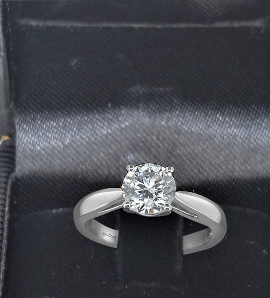 one carats diamond ring