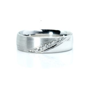 Comfort fit Diamond wedding Ring