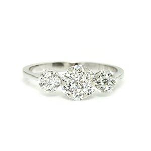 gift diamond ring