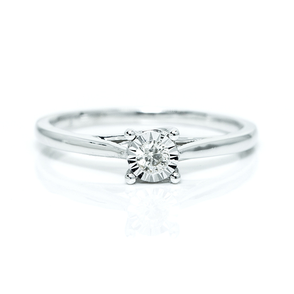 single studded diamond ring