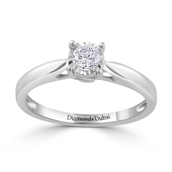 RONUD CUT ENGAGEMENT RING