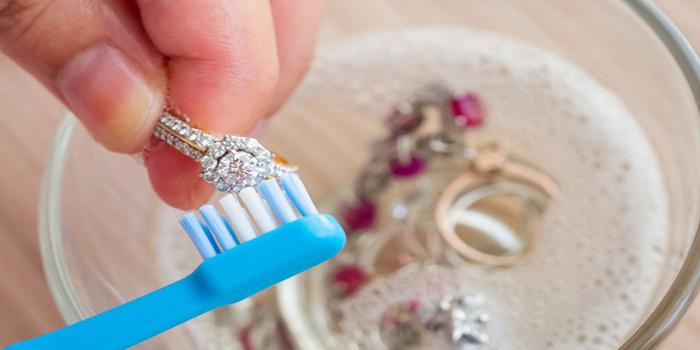jewelry cleaning hacks